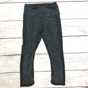 Primary Photo - BRAND: LULULEMON STYLE: ATHLETIC CAPRIS COLOR: BLACK SIZE: XS OTHER INFO: SIZE 2 GREY DETAIL SKU: 178-178212-6199