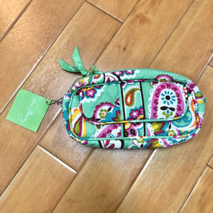 Primary Photo - BRAND: VERA BRADLEY STYLE: MAKEUP BAG COLOR: PAISLEY OTHER INFO: NEW! GREEN/PINK/WHITE/YELLOW SKU: 178-178102-52181