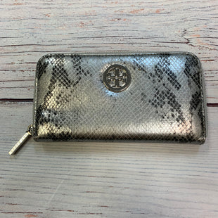 Primary Photo - BRAND: TORY BURCH STYLE: WALLET COLOR: SNAKESKIN PRINT SIZE: LARGE OTHER INFO: SILVER/BLACK-CONTINENTAL ZIP SKU: 178-178102-64371