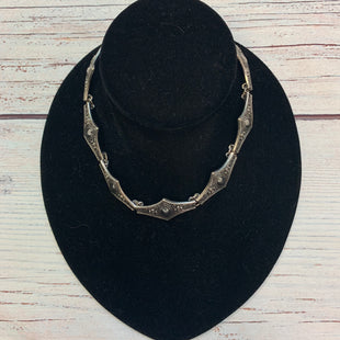 Primary Photo - BRAND:    STYLE: NECKLACE COLOR: SILVER SKU: 178-178212-5949