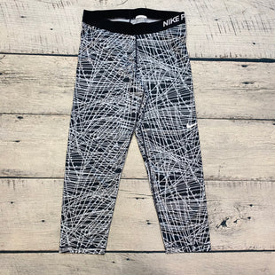 Primary Photo - BRAND: NIKE STYLE: ATHLETIC CAPRIS COLOR: GREY SIZE: L OTHER INFO: GREY/BLACK GEOMETRIC SKU: 178-178203-1740