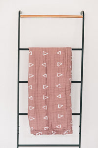 Blush Triangle Muslin Quilt