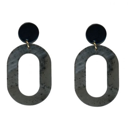 big-metal-alice-grey-resin-earrings