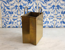 Load image into Gallery viewer, Brass Shopping Bag - Sarreid Ltd.