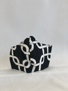 Black & White Chainlink-Medium