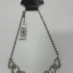 Primary Photo - BRAND:    CLOTHES MENTOR STYLE: NECKLACE COLOR: SILVER OTHER INFO: CEZANNE - NEW! SKU: 150-150112-23771