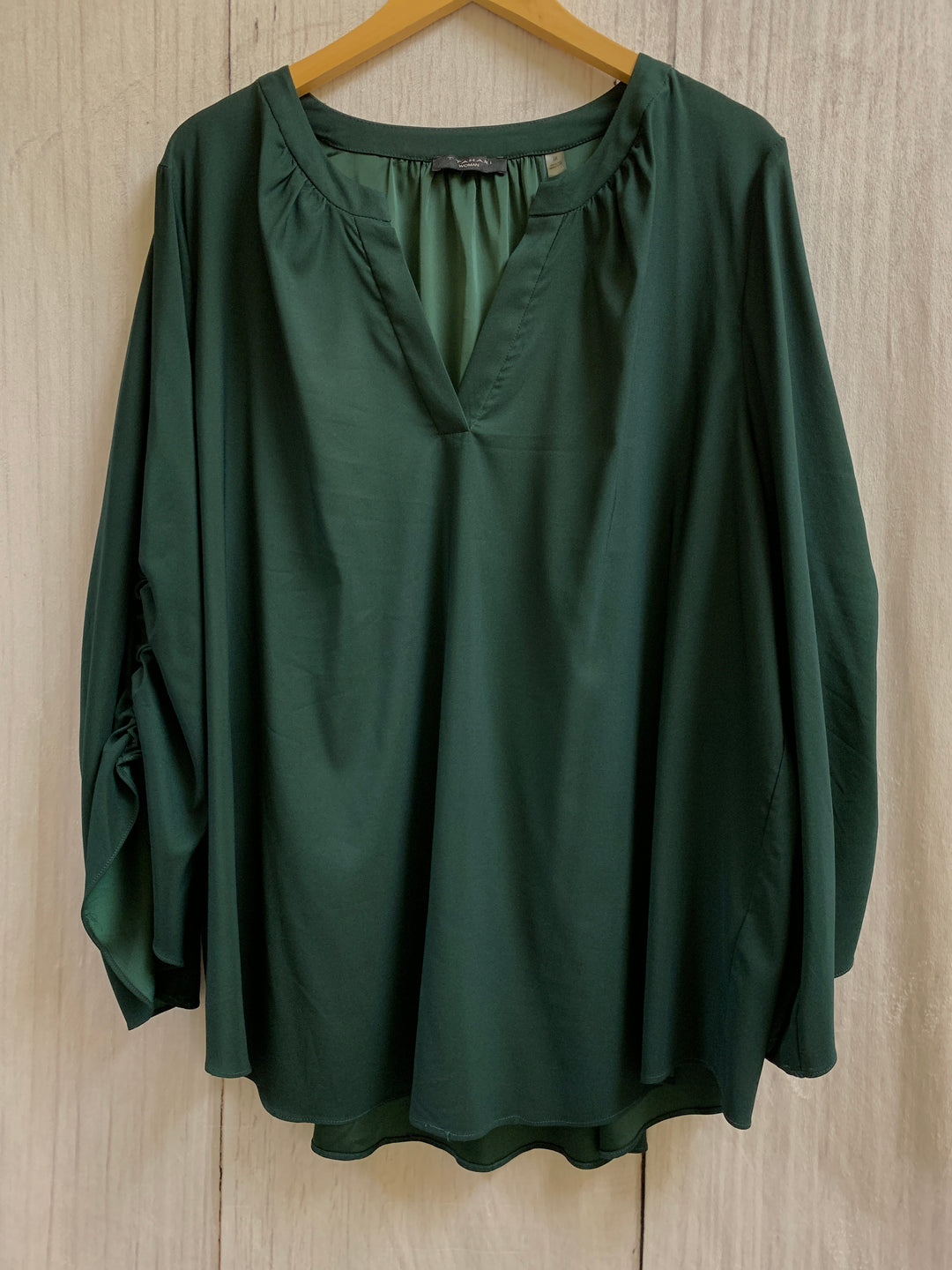 Primary Photo - BRAND: TAHARI <BR>STYLE: TOP LONG SLEEVE <BR>COLOR: GREEN <BR>SIZE: 3X <BR>SKU: 150-15098-33069