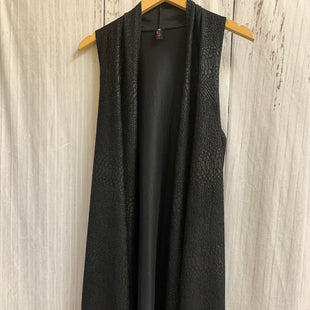 Primary Photo - BRAND:    CLOTHES MENTOR STYLE: SHAWL COLOR: BLACK SIZE: M OTHER INFO: VISION - SNAKESKIN SKU: 150-150154-5421