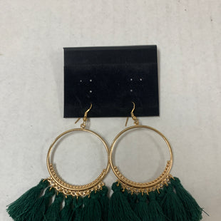 Primary Photo - BRAND:    CLOTHES MENTOR STYLE: EARRINGS COLOR: GOLD OTHER INFO: GREEN FRINGE SKU: 150-150112-26236