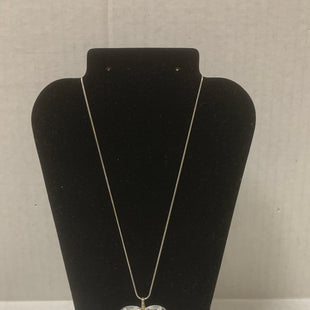 Primary Photo - BRAND:    CLOTHES MENTOR STYLE: NECKLACE COLOR: SILVER SIZE: 1 OTHER INFO: CLEAR LARGE HEART SKU: 150-15047-1508359 1.2 INCHES