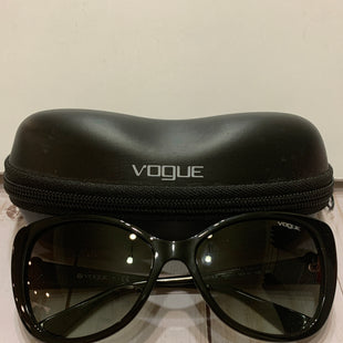 Primary Photo - BRAND:  CMA STYLE: SUNGLASSES COLOR: BLACK OTHER INFO: VOGUE - SKU: 150-15098-39338