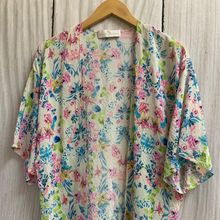 Primary Photo - BRAND:    CLOTHES MENTOR STYLE: SHAWL COLOR: FLORAL SIZE: M OTHER INFO: AMANDA UPRICHARD - SKU: 150-15098-38795