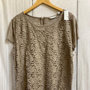 Primary Photo - BRAND: NEW YORK AND CO STYLE: TOP SHORT SLEEVE COLOR: TAUPE SIZE: 1X OTHER INFO: NEW!/LACE SKU: 150-150154-4707