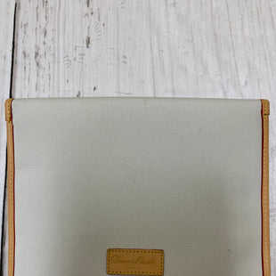 Primary Photo - BRAND: DOONEY AND BOURKE STYLE: ACCESSORY TAG COLOR: OFF WHITE SIZE: 1 SKU: 150-150131-963411X9