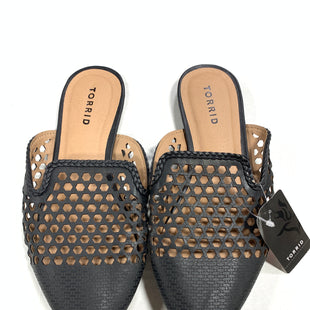 Primary Photo - BRAND: TORRID STYLE: SHOES FLATS COLOR: BLACK SIZE: 8.5 OTHER INFO: HOLES/NEW! SKU: 150-15098-37042