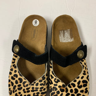 Primary Photo - BRAND:    CLOTHES MENTOR STYLE: SHOES FLATS COLOR: ANIMAL PRINT SIZE: 8 OTHER INFO: AETREX - SKU: 150-150112-23526