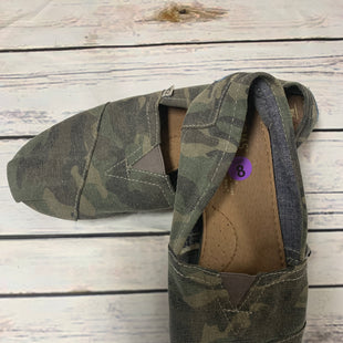 Primary Photo - BRAND: TOMS STYLE: SHOES FLATS COLOR: CAMOFLAUGE SIZE: 8 SKU: 150-150112-20769