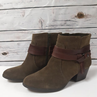 Primary Photo - BRAND: ALEX MARIE STYLE: BOOTS ANKLE COLOR: OLIVE SIZE: 7.5 SKU: 150-15012-6831R