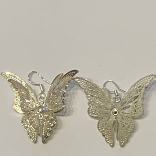 Primary Photo - BRAND:    CLOTHES MENTOR STYLE: EARRINGS COLOR: SILVER SIZE: 2 OTHER INFO: BUTTERFLIES SKU: 150-150119-10376
