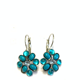 Primary Photo - BRAND:    CLOTHES MENTOR STYLE: EARRINGS COLOR: SILVER OTHER INFO: BLUE FLOWERS SKU: 150-150112-26207