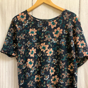 Primary Photo - BRAND: SWEET RAIN STYLE: TOP SHORT SLEEVE COLOR: NAVY SIZE: XL OTHER INFO: FLORAL/TIE IN BACK SKU: 150-150154-2797