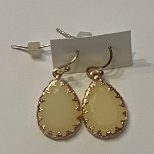 Primary Photo - BRAND:    CLOTHES MENTOR STYLE: EARRINGS COLOR: CREAM SIZE: 2 OTHER INFO: DANGLY EARRINGS WITH CREAM STONES AND SMALL CZS SKU: 150-150119-10377