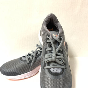 Primary Photo - BRAND: UNDER ARMOUR STYLE: SHOES ATHLETIC COLOR: GREY SIZE: 10 OTHER INFO: PINK SKU: 150-150112-22556