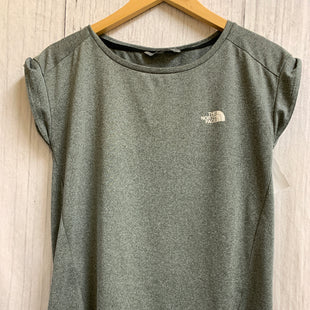 Primary Photo - BRAND: NORTHFACE STYLE: ATHLETIC TOP SHORT SLEEVE COLOR: GREY SIZE: S SKU: 150-150154-2567