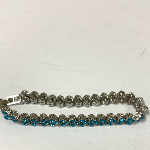 Primary Photo - BRAND:    CLOTHES MENTOR STYLE: BRACELET COLOR: SILVER SIZE: 1 OTHER INFO: BLUE STONES/TENNIS BRACLET SKU: 150-150119-10374