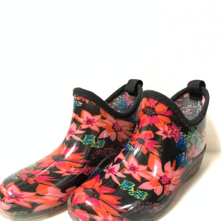 Primary Photo - BRAND:    CLOTHES MENTOR STYLE: BOOTS ANKLE COLOR: FLORAL SIZE: 8 OTHER INFO: EASY  - RAIN BOOTS SKU: 150-150112-21521