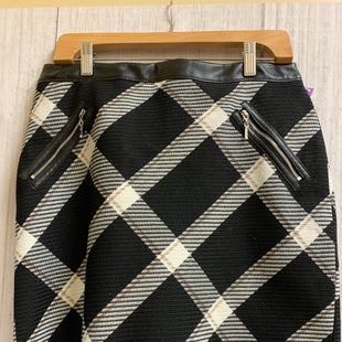 Primary Photo - BRAND: WHITE HOUSE BLACK MARKET STYLE: SKIRT COLOR: PLAID SIZE: 8 OTHER INFO: BLACK CREAM SKU: 150-150152-334R
