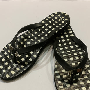 Primary Photo - BRAND: COACH STYLE: SHOES DESIGNER COLOR: BLACK WHITE SIZE: 8 OTHER INFO: FLIP FLOPS SKU: 150-150154-5807