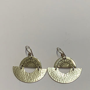 Primary Photo - BRAND:    CLOTHES MENTOR STYLE: EARRINGS COLOR: SILVER SKU: 150-150112-26233