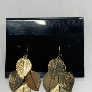 Primary Photo - BRAND:    CLOTHES MENTOR STYLE: EARRINGS COLOR: GOLD SIZE: 1 OTHER INFO: LEAFS SKU: 150-15047-150291