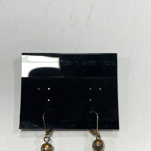 Primary Photo - BRAND:    CLOTHES MENTOR STYLE: EARRINGS COLOR: ORANGE SIZE: 1 OTHER INFO: GREEN ROCKS SKU: 150-15047-144469