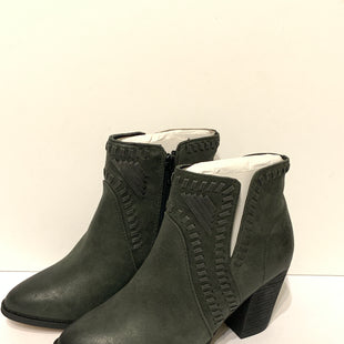 Primary Photo - BRAND: ZIGI SOHO STYLE: BOOTS ANKLE COLOR: GREY SIZE: 7 SKU: 150-15047-1487763 INCHES