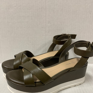 Primary Photo - BRAND: GIANNI BINI STYLE: SANDALS LOW COLOR: OLIVE SIZE: 6.5 SKU: 150-150131-14342BUCKLES AROUND ANKLE 2 1.2 INCHES