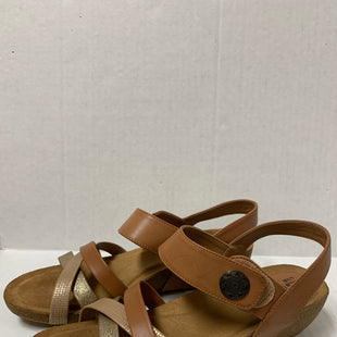 Primary Photo - BRAND: SOFFE STYLE: SANDALS LOW COLOR: BROWN SIZE: 10 SKU: 150-150135-1235