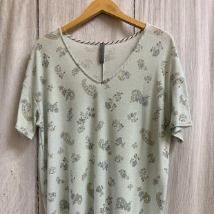 Primary Photo - BRAND: HONEYME STYLE: TOP SHORT SLEEVE COLOR: PAISLEY SIZE: XL SKU: 150-15098-38048
