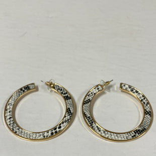 Primary Photo - BRAND:    CLOTHES MENTOR STYLE: EARRINGS COLOR: BLACK WHITE SIZE: 1 OTHER INFO: SNAKEPRINT HOOP SKU: 150-15047-150822