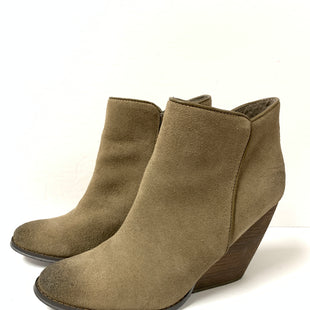 Primary Photo - BRAND: VERY VOLATILE STYLE: BOOTS ANKLE COLOR: BEIGE SIZE: 10 SKU: 150-15047-123759SUEDE4 INCHES