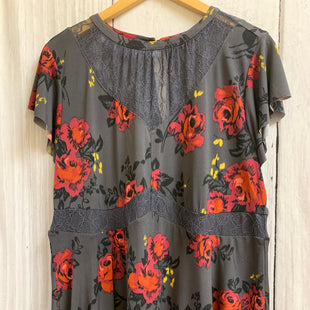 Primary Photo - BRAND: TORRID STYLE: TOP SHORT SLEEVE COLOR: CHARCOAL SIZE: 1X OTHER INFO: FLORAL/NEW! SKU: 150-15098-38817