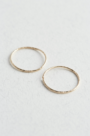 14k Gold Textured Hoop Earrings - The Jewellery Hut UK