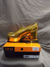 "Load image into Gallery viewer, Gold Pimp Shoes by Ellie. NIB Men's costume platorm shoe with 3"" heel size L (12-13)"