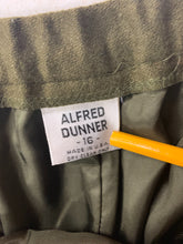 Load image into Gallery viewer, Alfred Dunner Size 16 Wool Stretch Waist Skirt