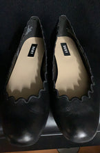 Load image into Gallery viewer, DKNY Womens Willow Black Sheep Napa Leather Scalloped Ballet Flats