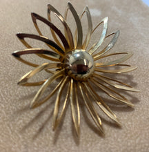 Load image into Gallery viewer, Vintage Gold Tone Sarah Coventry Large Flower Clip on Earrings