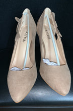 Load image into Gallery viewer, NIB Justfab Carlotta Pump Sz 8