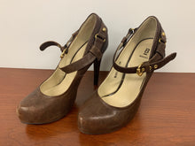 Load image into Gallery viewer, Bakers Brown Manning Leather Heels size 7.5M