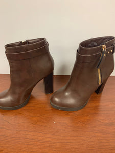 NEW FOREVER 21 brown ankle Boots size 5.5